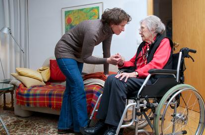Mieux s'équiper pour le maintien à domicile des personnes âgées