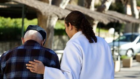 Personne âgée-Entrée en établissement : le temps d'adaptation