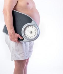 Balance et personne obèse